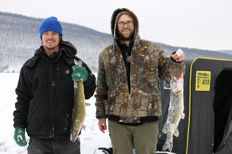 ice-fishing-canandaigua-lake