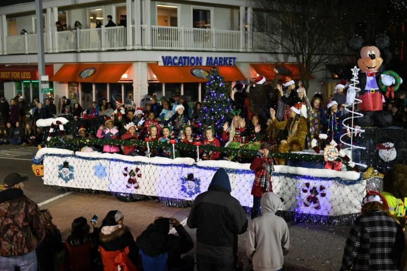 Cox Communications Holiday Parade In Virginia Beach