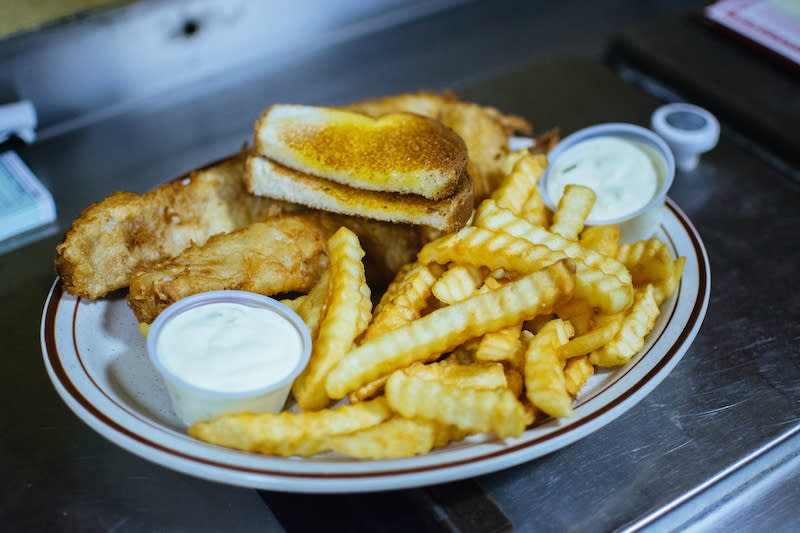 Favorite Fish Fry - Chick-A-Dee's Family Restaurant - Photo by: Kelsey Smith