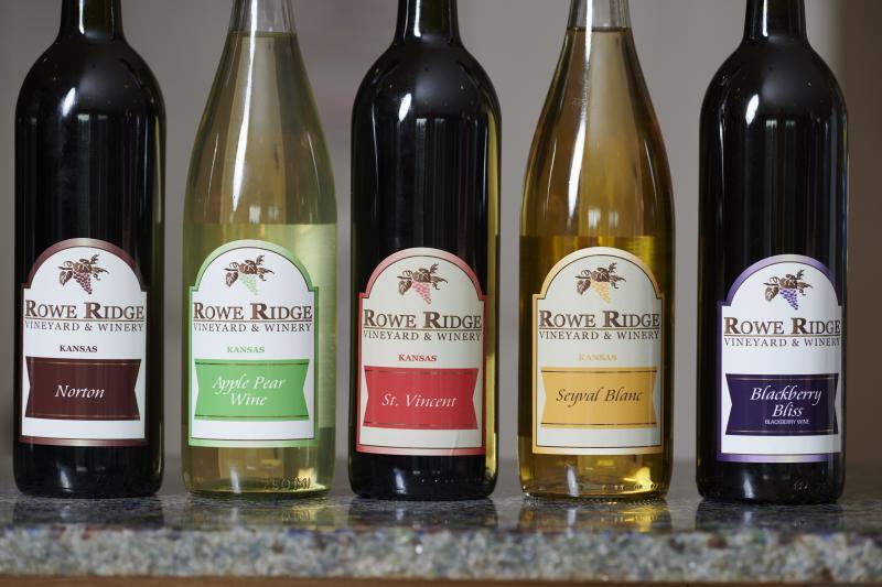 Rowe Ridge Winery & Vineyard bottles