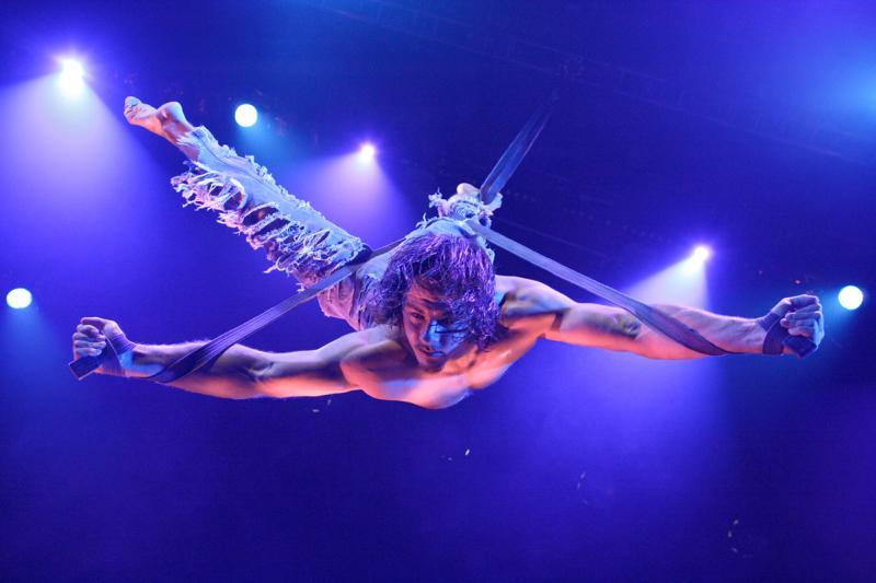 Le Grande Cirque 2.0 at Broadway at the Beach