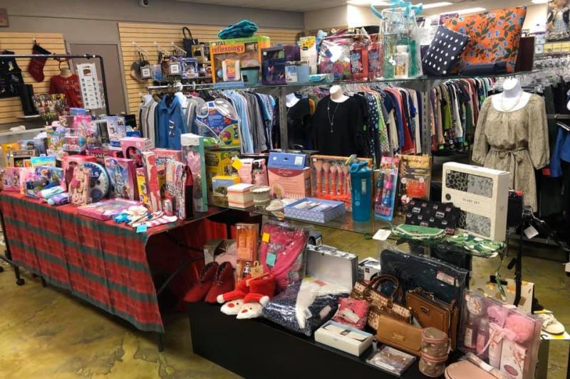 Grans Attic, Mandeville, Shopping