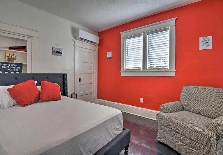 Bedroom - Red