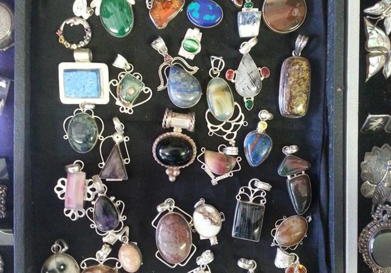 Art Jewelry Design's