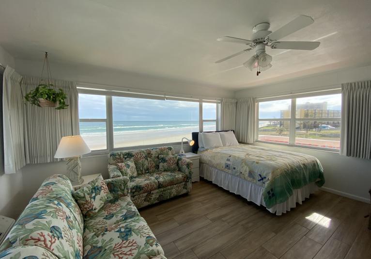 Poolside OceanFront Suite #32