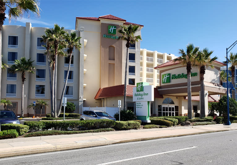Holiday Inn Hotel and Suites 2
