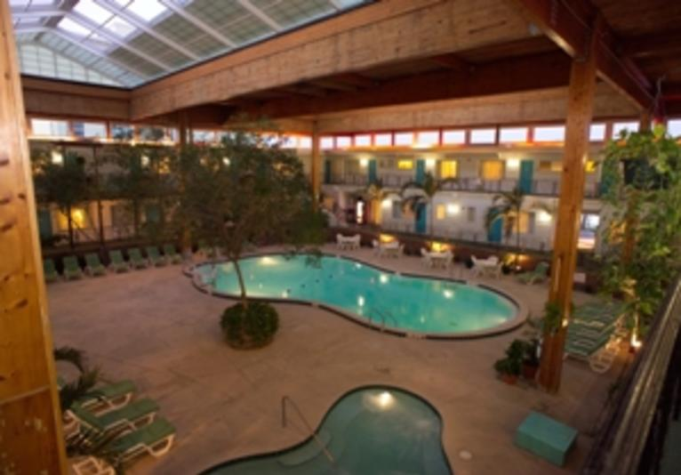 Perry's Indoor Pool and Hot tub