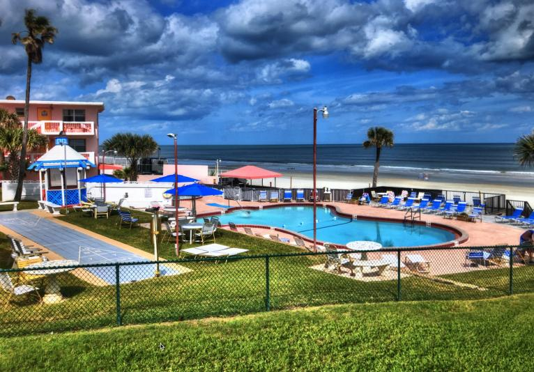 Shared Oceanfront Heated Pool