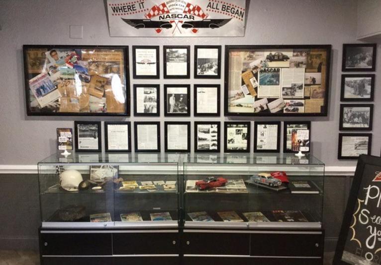 Racing's North Turn Beach Bar and Grille - Memorabilia