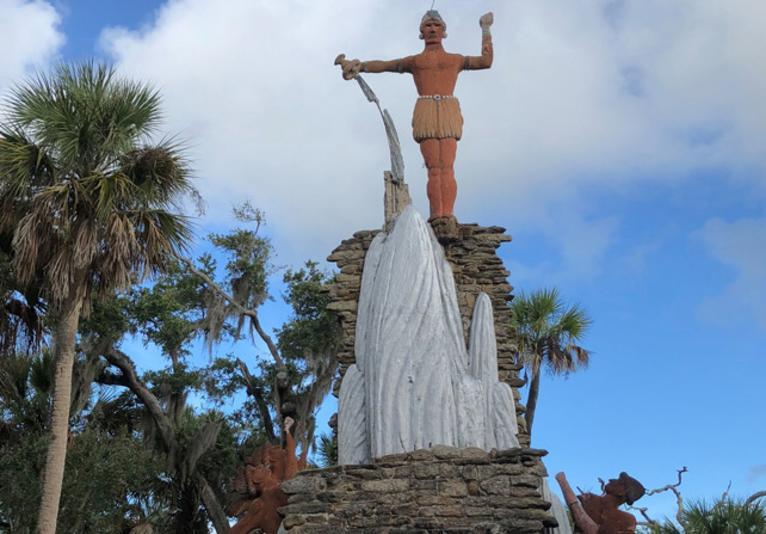 Tomokie Statue