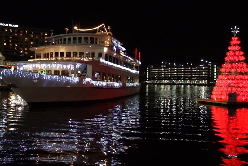 Holiday Lighted Boat Parade Dinner Cruise