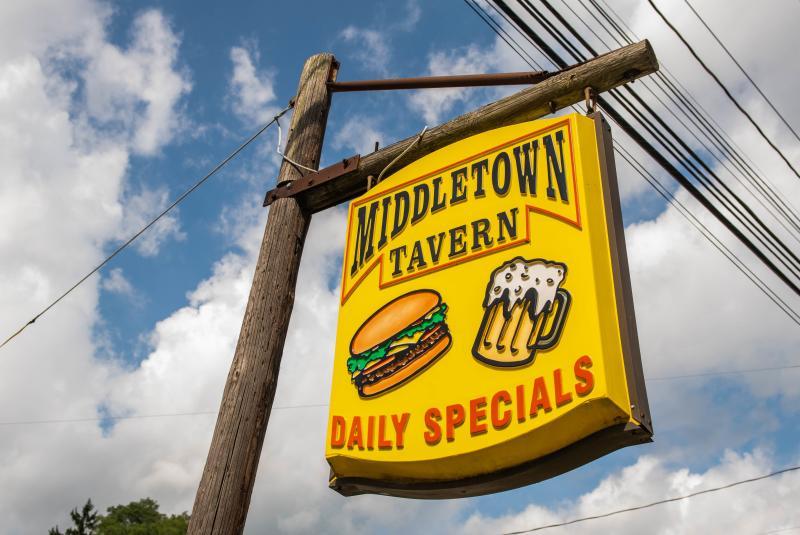 middletown-tavern-naples-exterior