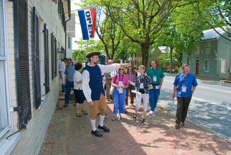Main Street walking tour in New Market