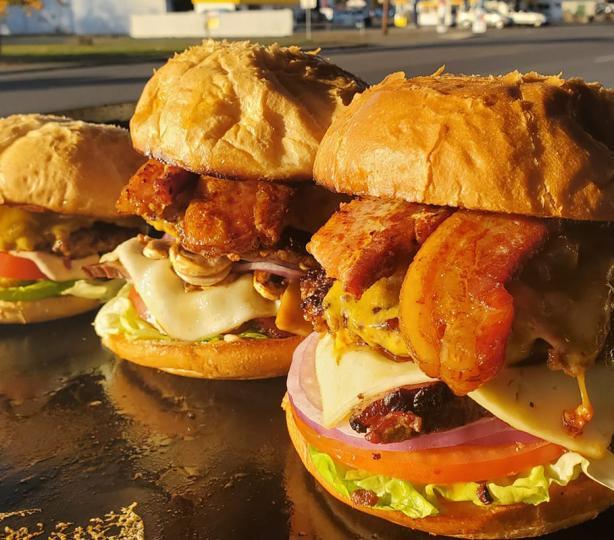 Bacon and cheese hamburgers