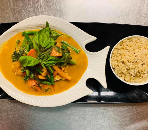 Yellow curry with vegetables and rice