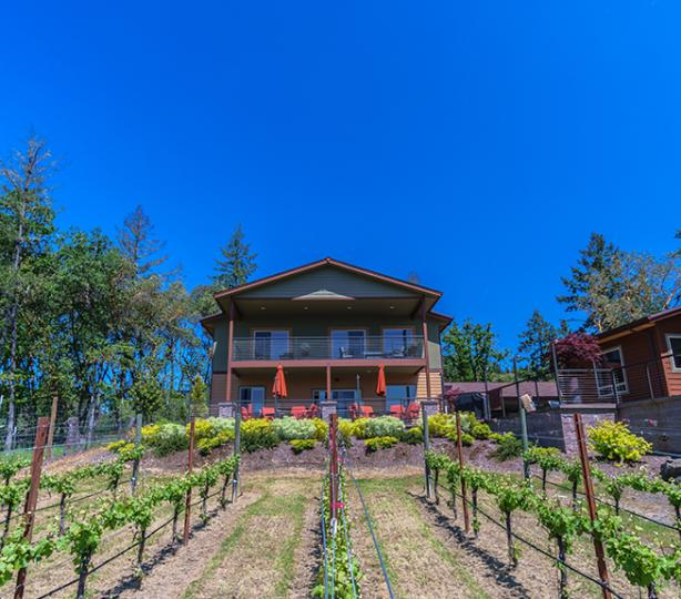Cooper Ridge Vineyard Guest House exterior