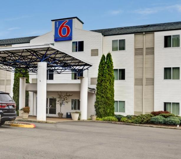 Motel 6 Roseburg Oregon, exterior