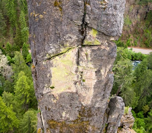 Tyrolean Traverse between Old Man and Old Woman pinnacles.