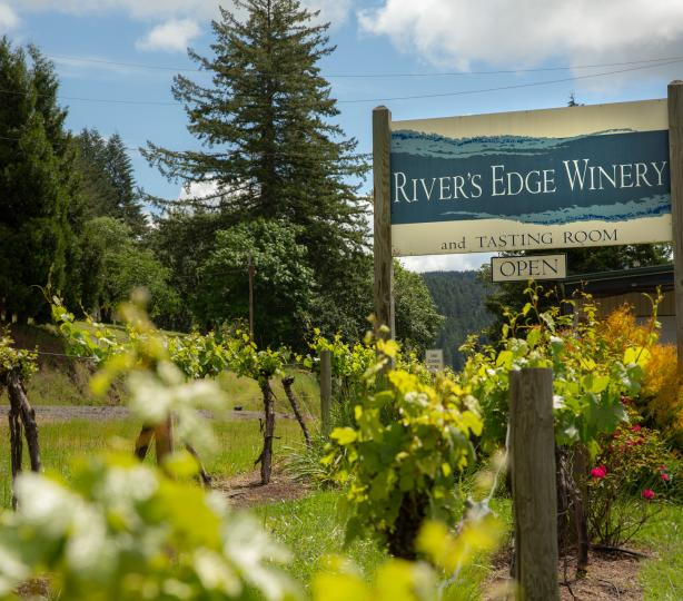 River's Edge Winery entrance