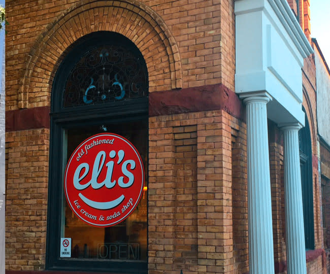 Eli's Old-Fashioned Ice Cream Store Front