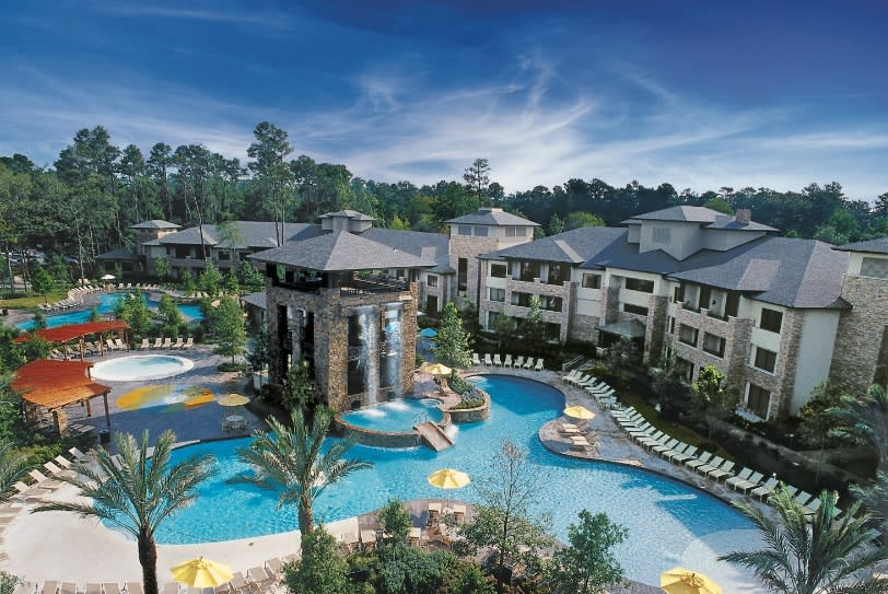 The-Woodlands-Resort-pool_resized