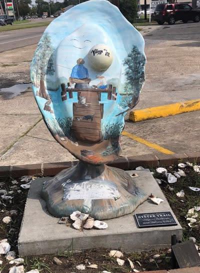 Kelley's Village Inn Oyster Sculpture