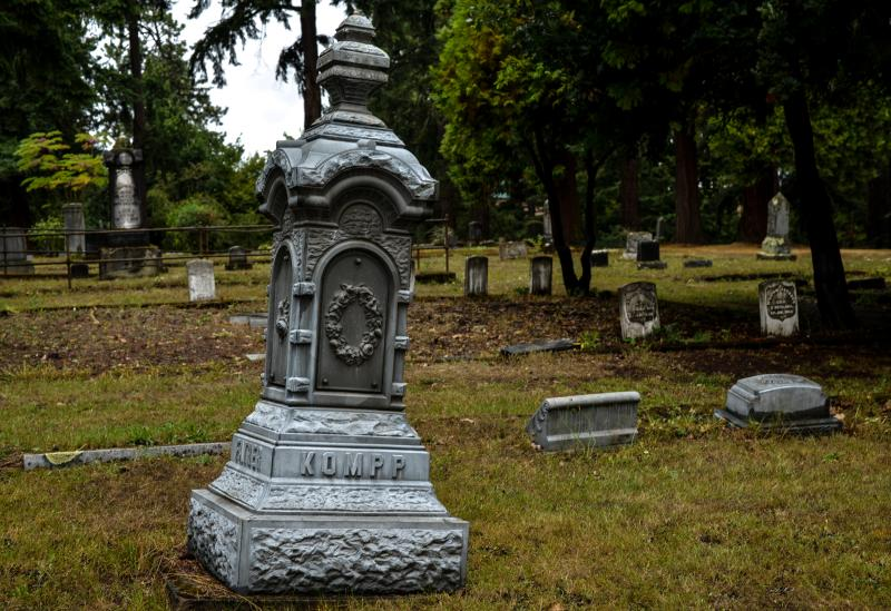 Eugene Pioneer Cemetery by Melanie Griffin