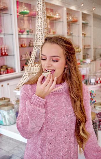 Talia Ramsey - Bijou Confectionary Macaron