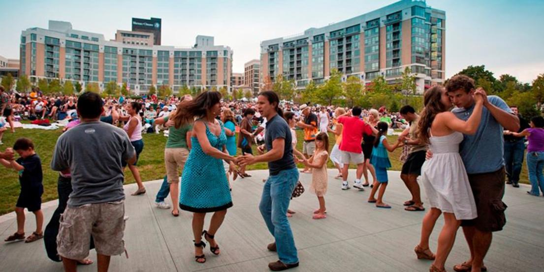 Midtown Crossing Events Omaha Events Things To Do In >> Jazz On The Green At Midtown Crossing Paa Kow And His Afro Fusion