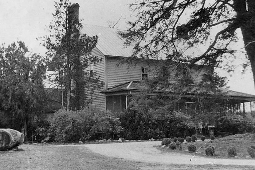 1940 Exterior
