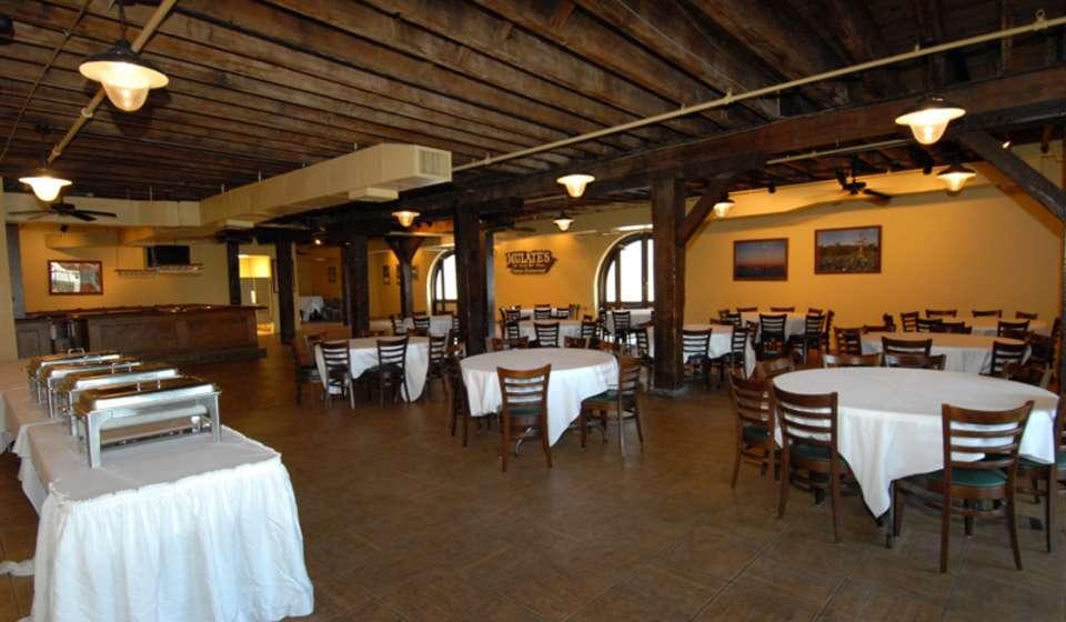 Mulate's - The Original Cajun Restaurant
