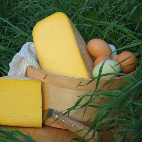 Cheese-eggs_in_basket