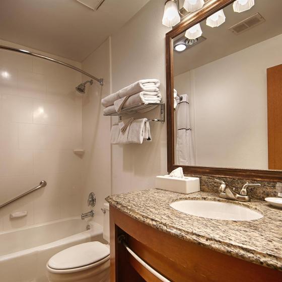 Guest_Bathroom_vanity