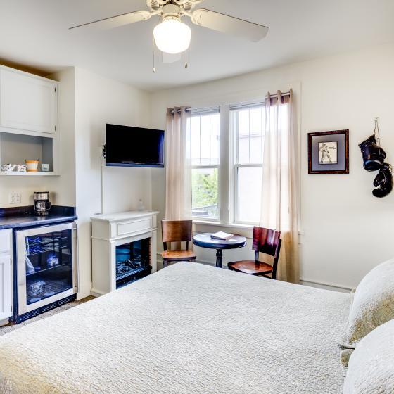 Leland House Suites