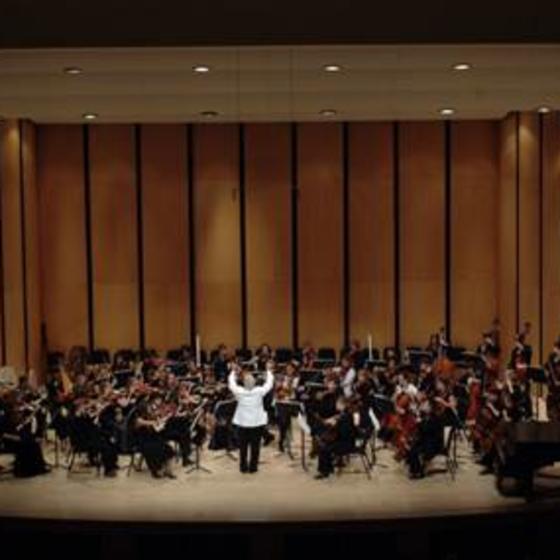 Symphony_on_stage_WEB
