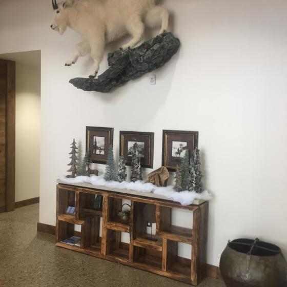 Valley Clubhouse Holiday Foyer