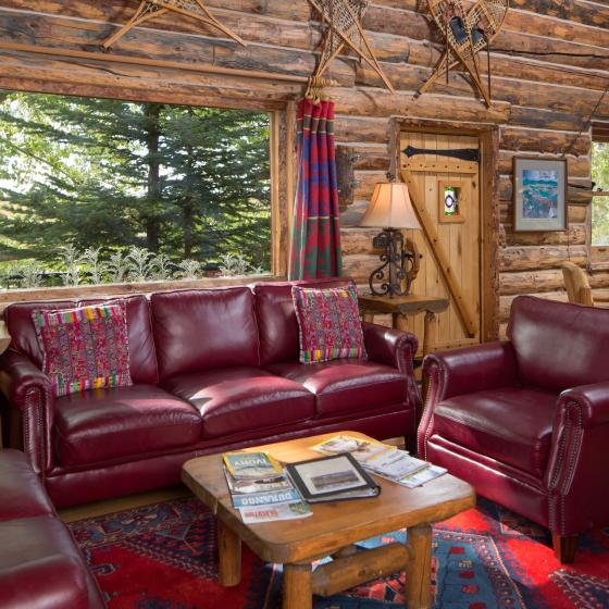 Cabin on the Lake Living room