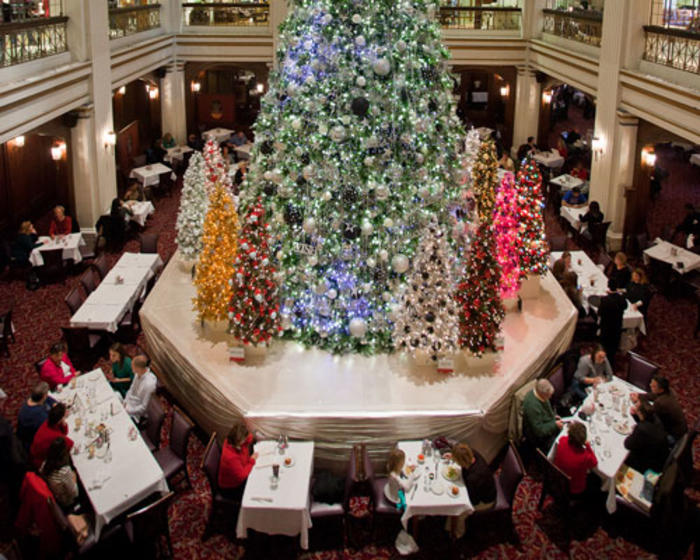 Christmas Tree at Walnut Room in Macy's Chicago