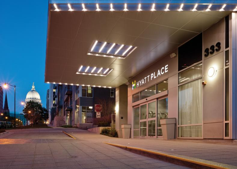 The front entrance of Hyatt Place Downtown Madison