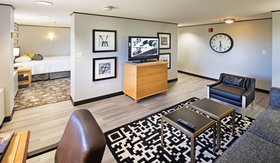 Lansdowne Suite room