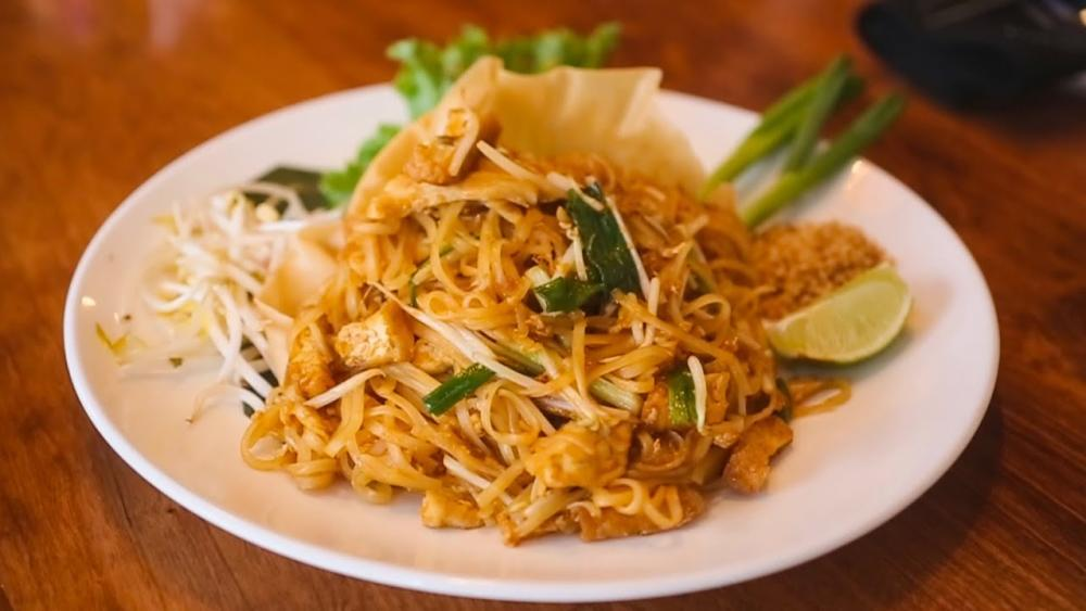 Video Thumbnail - youtube - Nawa Asian Cuisine | Downtown Fort Wayne | Visit Fort Wayne