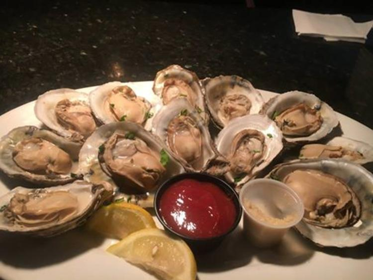 Rhett's River Grill & Raw Bar