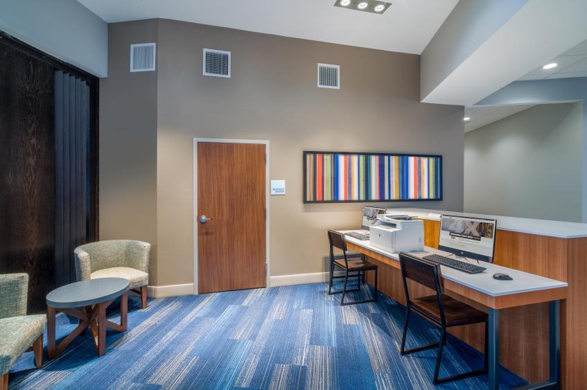 Holiday Inn Express St. Peters Business Center