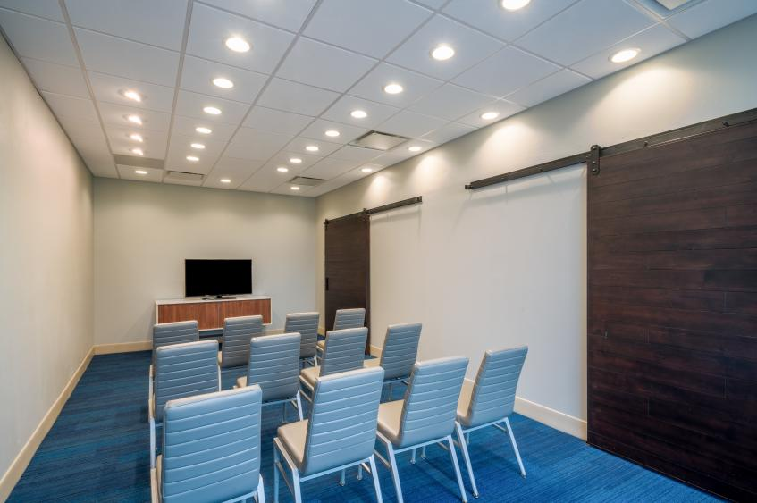 Holiday Inn Express St. Peters Meeting Room