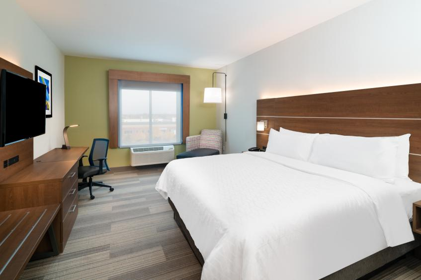 Holiday Inn Express St. Peters King Room