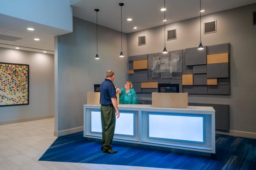Holiday Inn Express St. Peters Front Desk