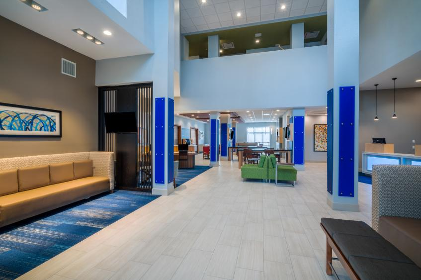 Holiday Inn Express St. Peters Lobby
