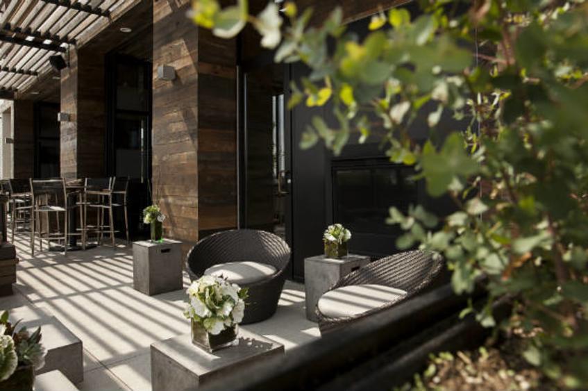 patio dining 2