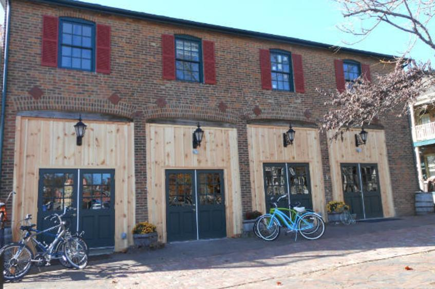 Bike Stop Cafe Exterior 2