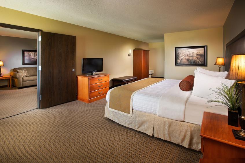 TWO ROOM SUITE - BEDROOM